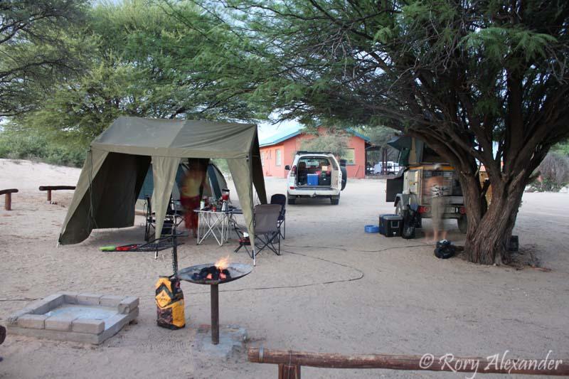 Camping in the Kgalagadi (5/6)